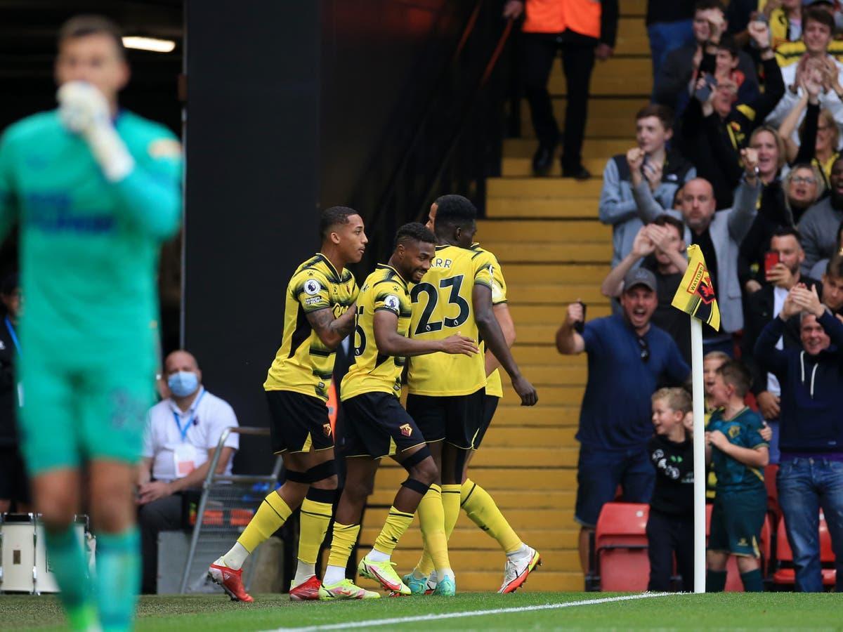 Watford đang gặp vô vàn khó khăn từ khi lên hạng