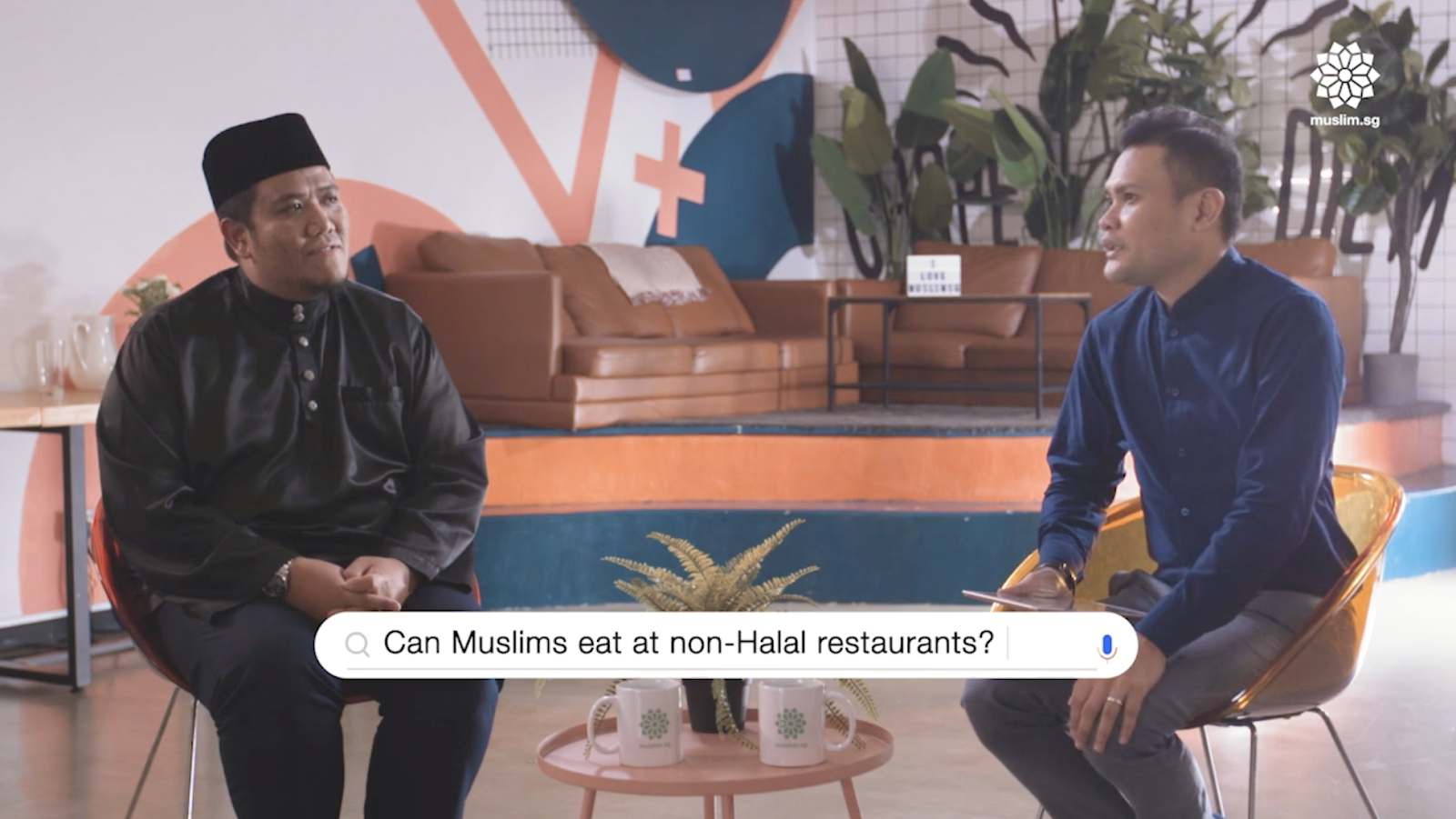 Can Muslims eat at restaurants that serve pork