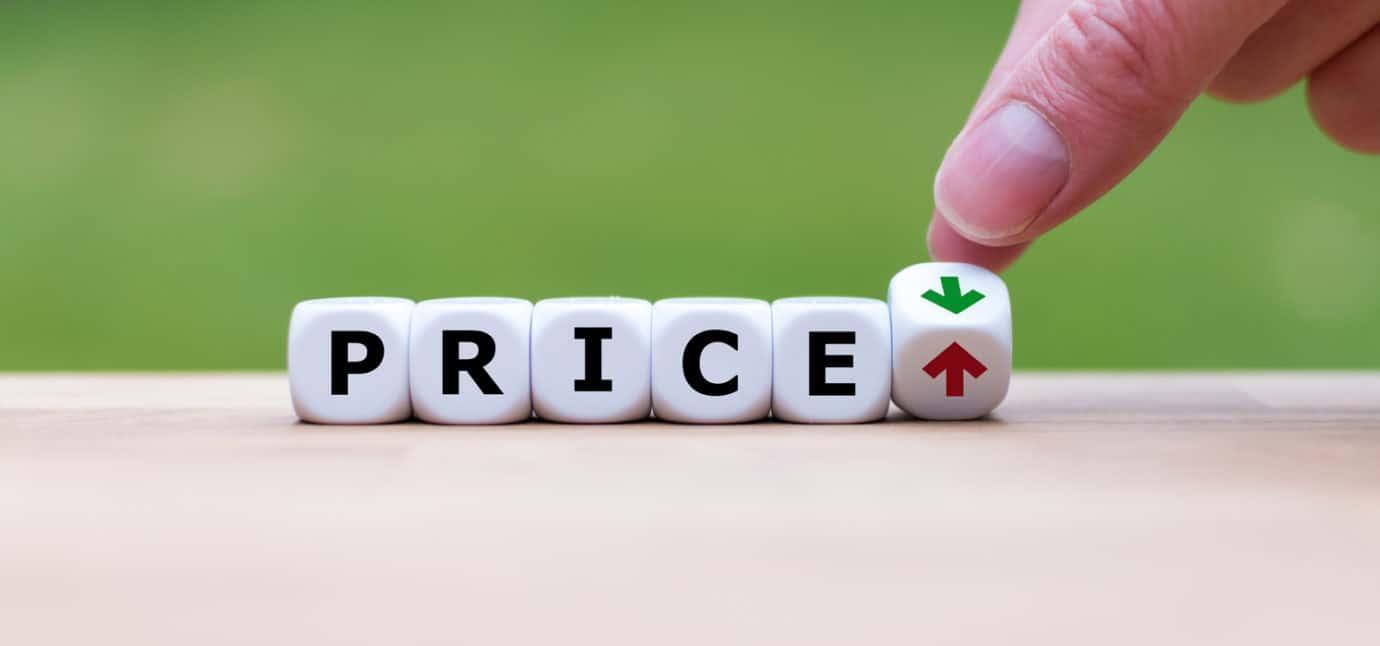 Khảo sát giá thị trường giúp chọn được loại thép phù hợp với ngân sách