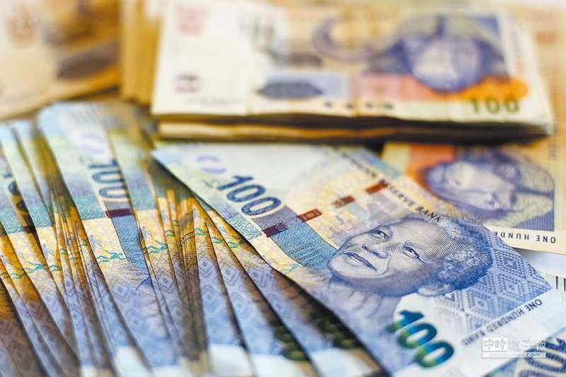 投資型保單好不好:南非幣的投資保單也因為佣金高,在市面上也較熱賣
