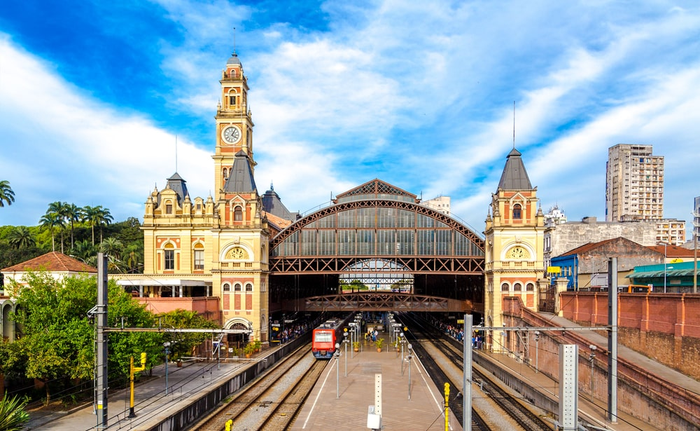 O metrô de São Paulo foi o primeiro do Brasil e é hoje o maior do País. (Fonte: Shutterstock)