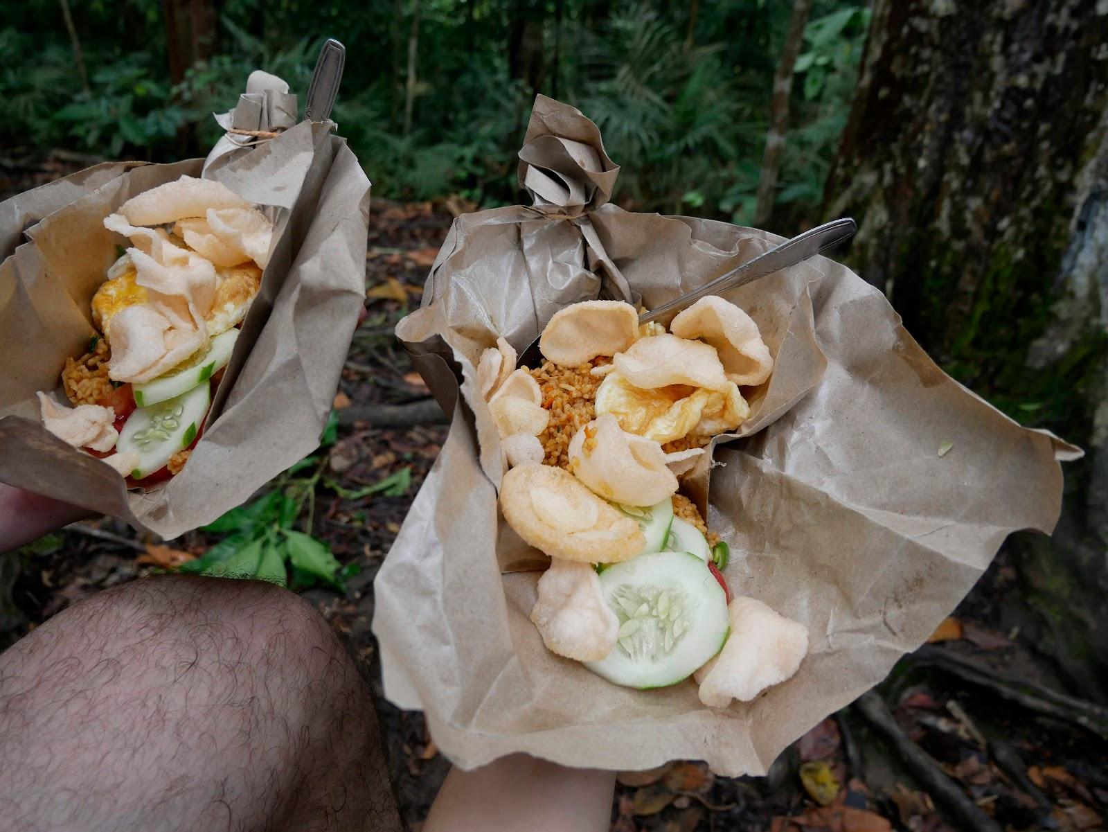 comida en el trekking de bukit lawang