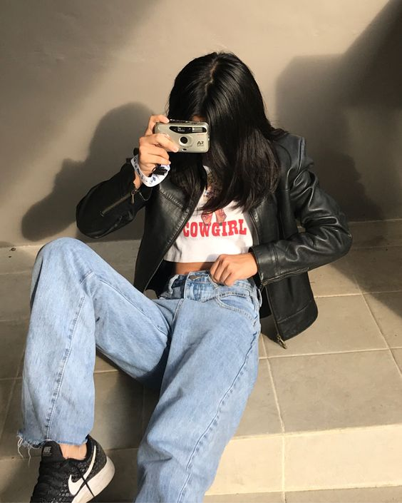 mom jeans, t-shirt and petite leather jacket
