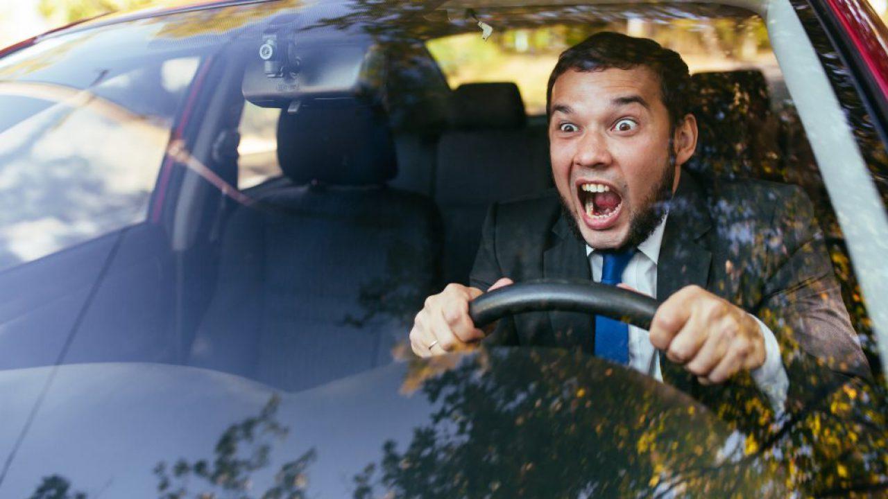 Dangerous Driving Habits to Quit Now