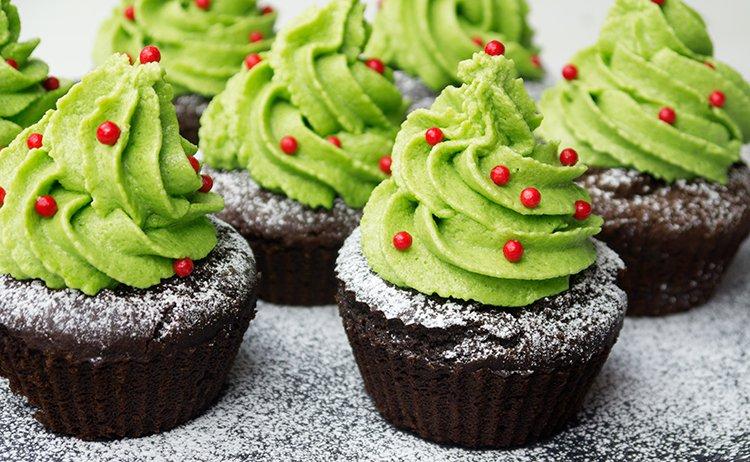 Christmas Tree Cupcakes A Baker's Dozen Christmas Cupcake Recipe Ideas via Kara's Party Ideas