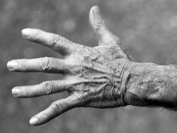 3 Amazing Ways to Help Aging Skin