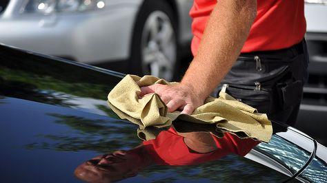 Después de un buen lavado, puedes hacer que tu auto se vea como nuevo con acondicionador