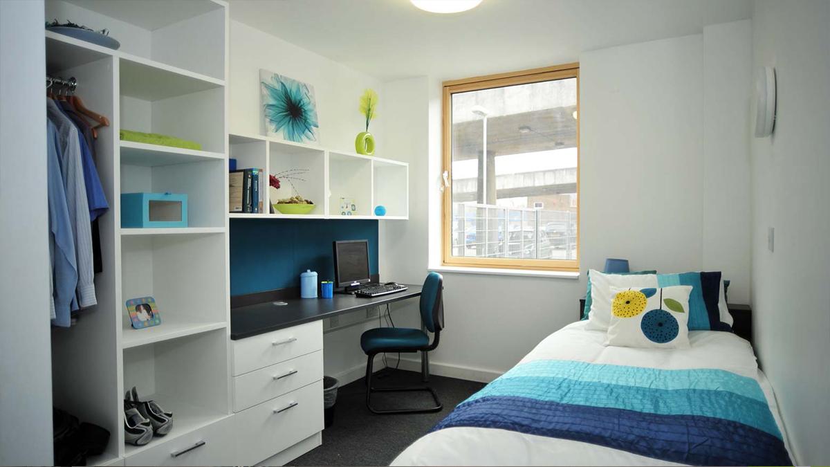 student-bedroom-1-4553.jpg