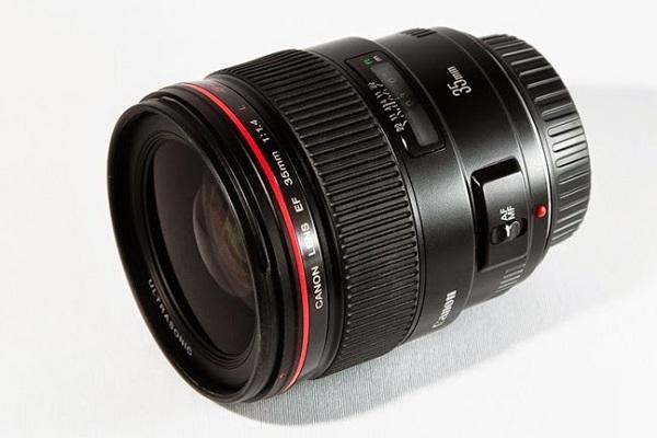 Ống kính camera hành trình có góc quay rộng, nâng cao khả năng ghi hình