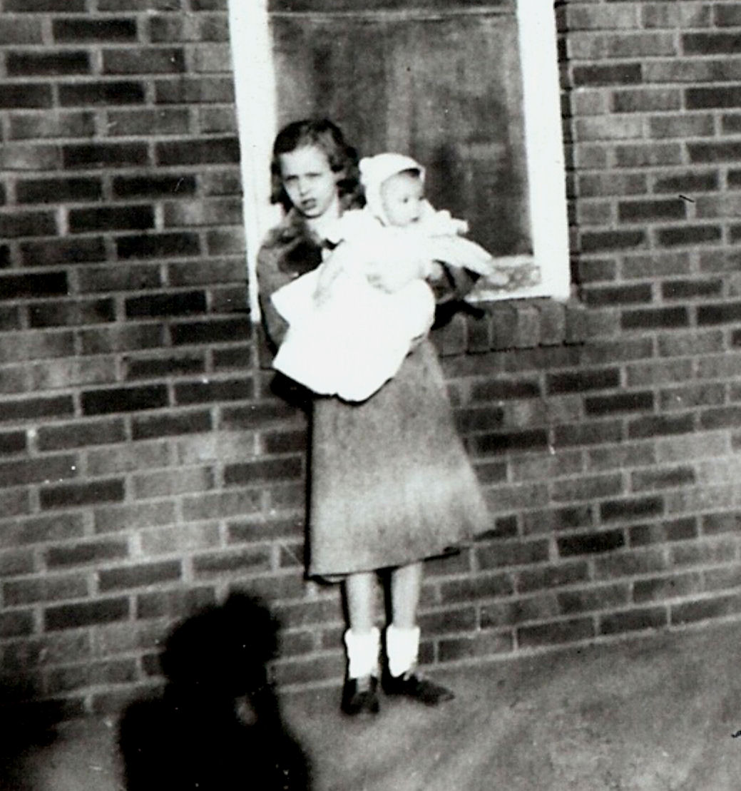 Leona Marie Tate holding Katherine Ellen 1956.jpg