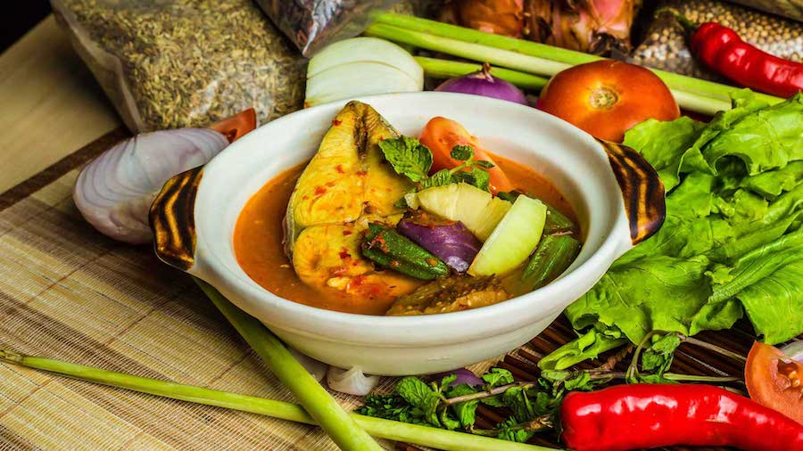 Hari Raya Puasa 2021: Best Food Delivery & Takeaway Options For The Whole Family