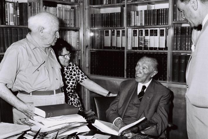 O:\IL DE 55\for the 55 movie clip\GPO pics\GPO Adenauer mit David Ben Gurion in seiner Bibliothek im Kibbutz Sde Boker 1966.jpg