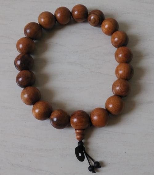 Dây chuỗi hạt gỗ Cẩm