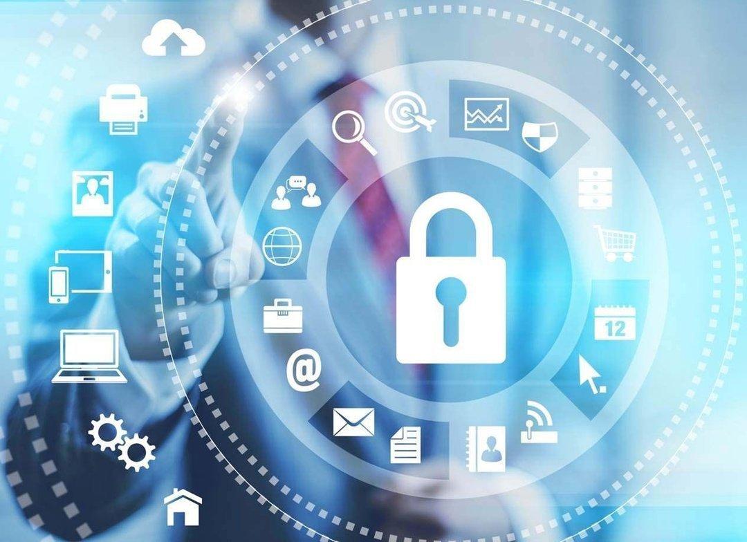 """Утечка личных данных: чем это угрожает """"Новой почте"""" и ее клиентам"""