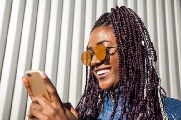 divulgação de trabalhos com trança afro - foto: canva.com