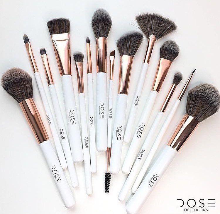 Dose of Colors Brush кисти для макияжа | Предметы макияжа, Кисти для  макияжа, Идеи макияжа