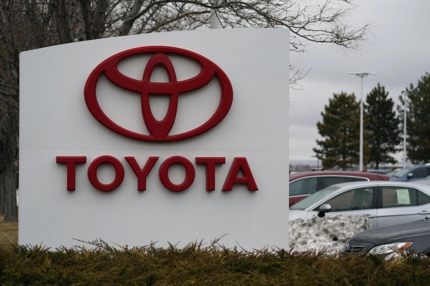 Toyota vẫn giữ vị trí nhà sản xuất ô tô bán chạy nhất thế giới sáu tháng đầu năm