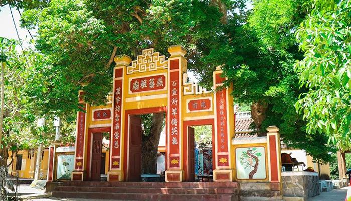 Miếu tổ nghề Yến - Cẩm nang du lịch Cù Lao Chàm đầy đủ nhất từ TourSelf - 9