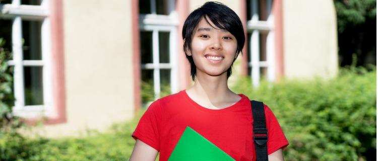 親が任意整理をした場合の奨学金審査への影響