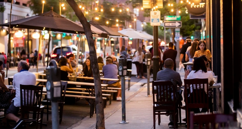 Night life in Old Town Pasadena, CA