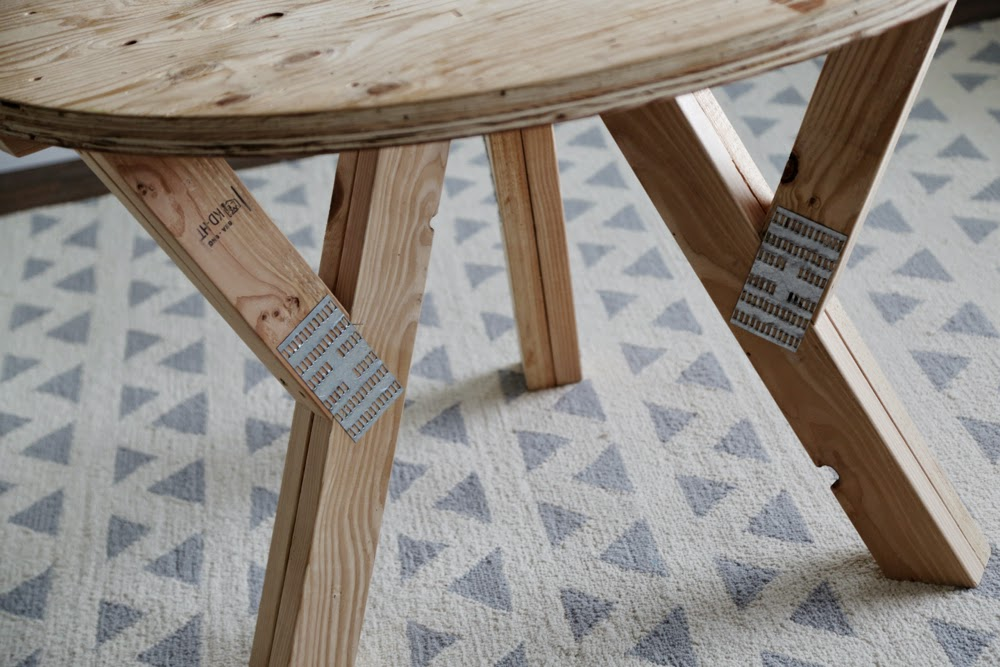 Ana White Y Truss Round Table Diy Projects