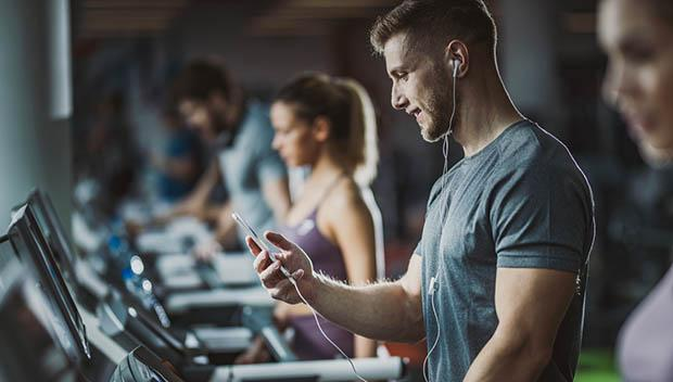 What to Consider When Making a Motivational Workout Playlist | ACTIVE