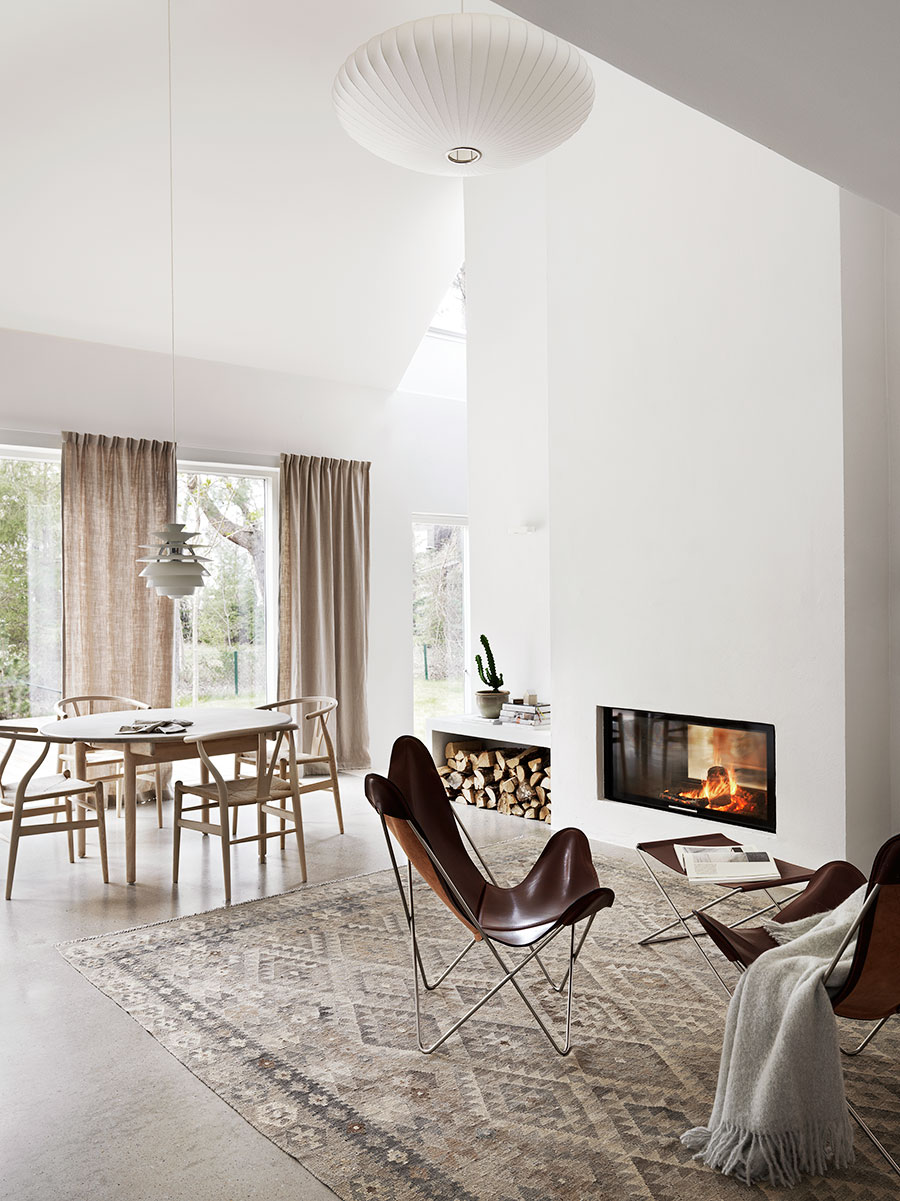 Scandinavian-style-living-room-in-neutral-and-warm-color-scheme.jpeg