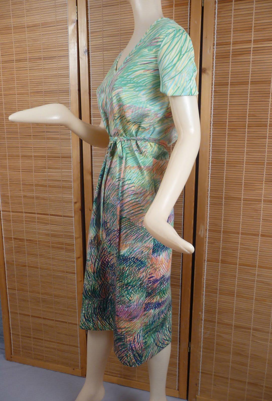 spring dress side.jpg