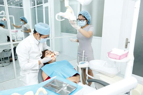 Trồng răng giả Implant mất bao lâu là Nhanh Nhất? - Nha khoa Bally 1