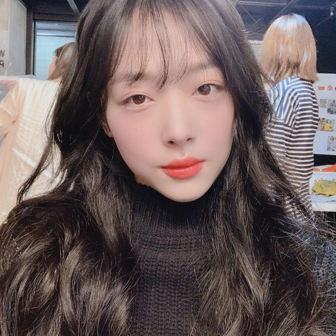 Trang điểm kiểu tự nhiên luôn là một hot trend make up được các sao Hàn theo đuổi