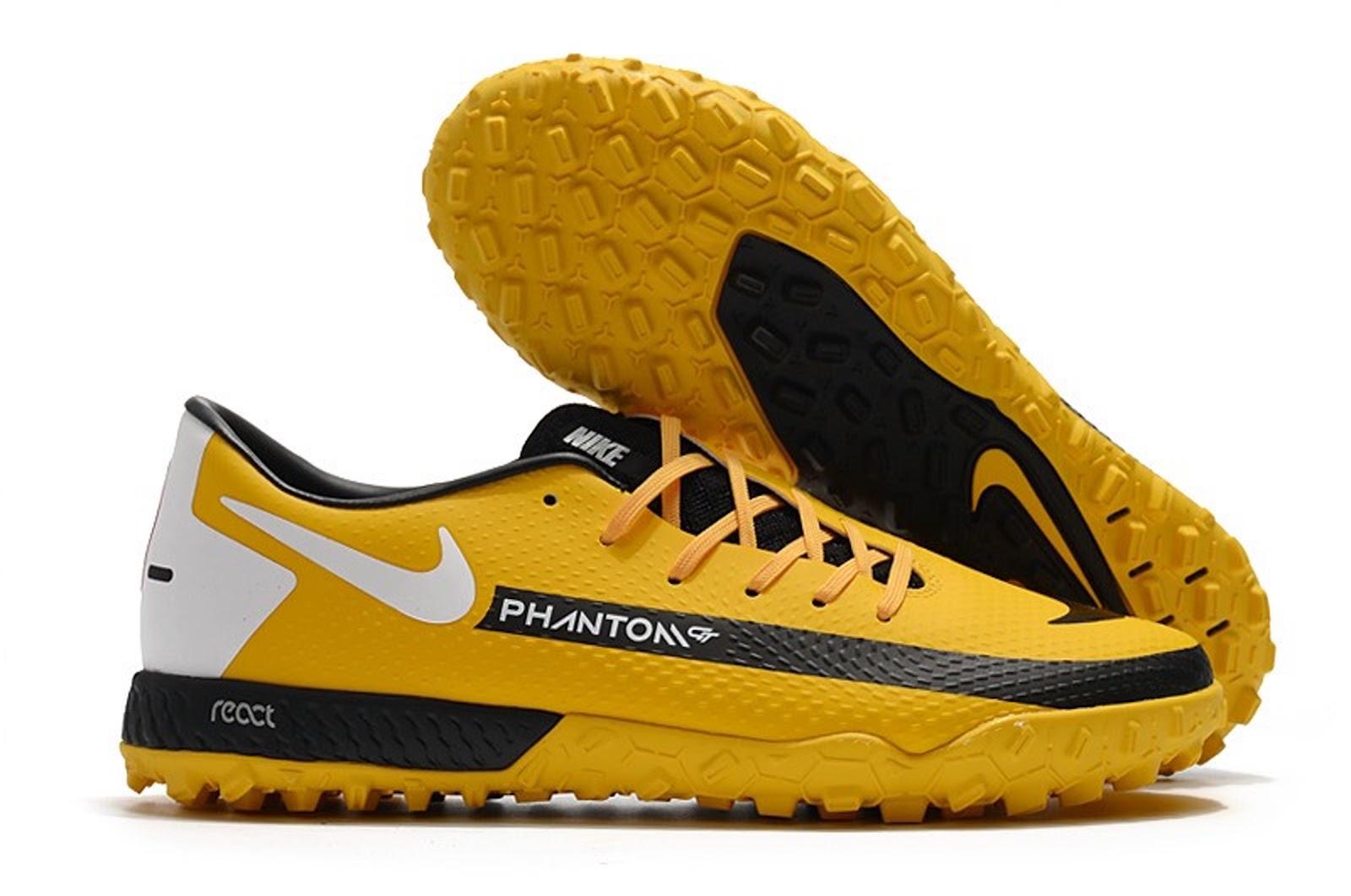 Hình ảnh đôi giày đá banh FG sân cỏ tự nhiên NIke màu vàng