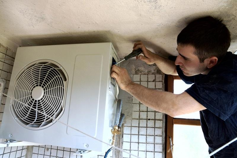 C:\Users\Dell\AppData\Local\Microsoft\Windows\INetCache\Content.Word\Ducted Air Conditioning-Installation.jpg