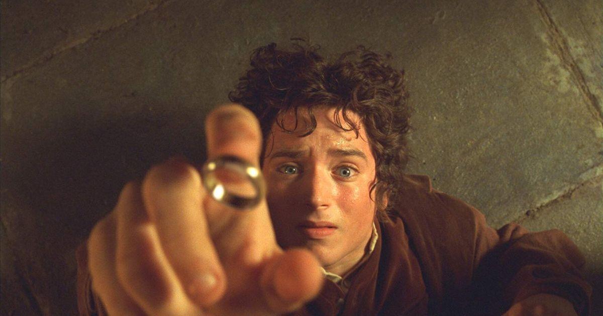 image du film le seigneur des anneaux avec la bague en or : mon précieux