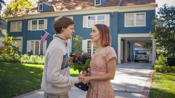 "Lucas Hedges ve Saoirse Ronan, ""Lady Bird"" te."