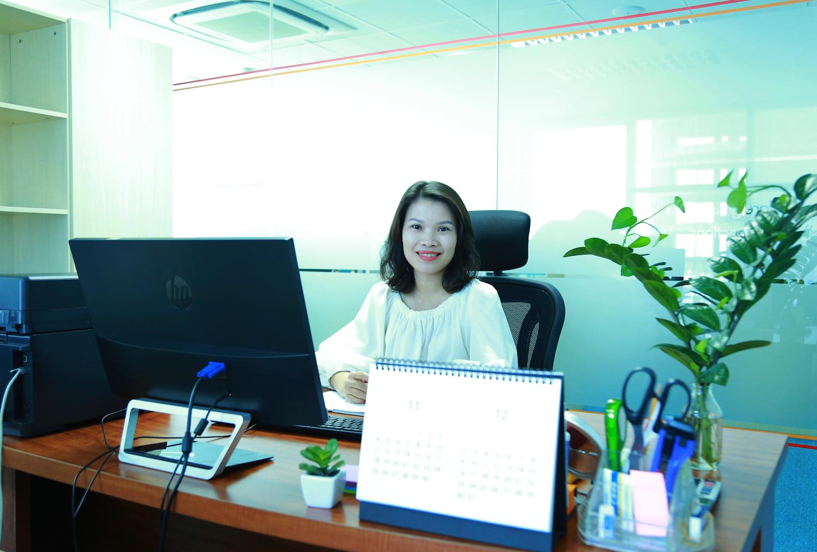 Chị Nguyễn Thị Hồng Thơm - Kế toán trưởng Công ty TNHH Holdings Việt Nam Hồng Kông