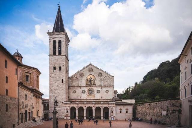 Thánh tích của Thánh Gioan Phaolô II bị đánh cắp trong các vụ trộm cắp nhà thờ ở Ý