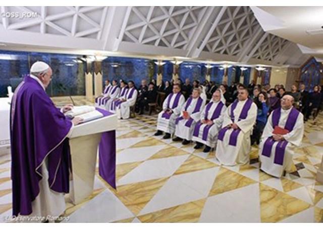 Pope Francis celebrates Mass at the Casa Santa Marta - RV