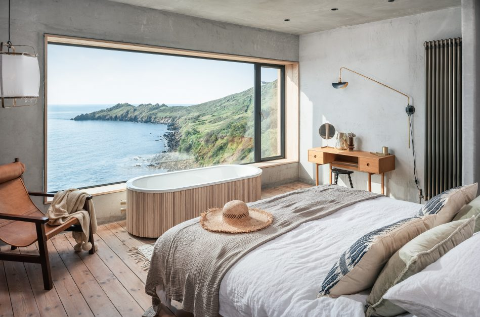 Romantic Bedroom with Open Air