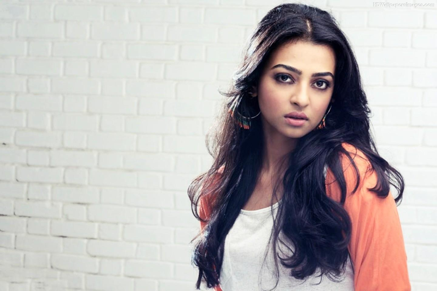 http://img.wallpaperfolder.com/f/60CF4E5252AA/radhika-apte-beautiful.jpg