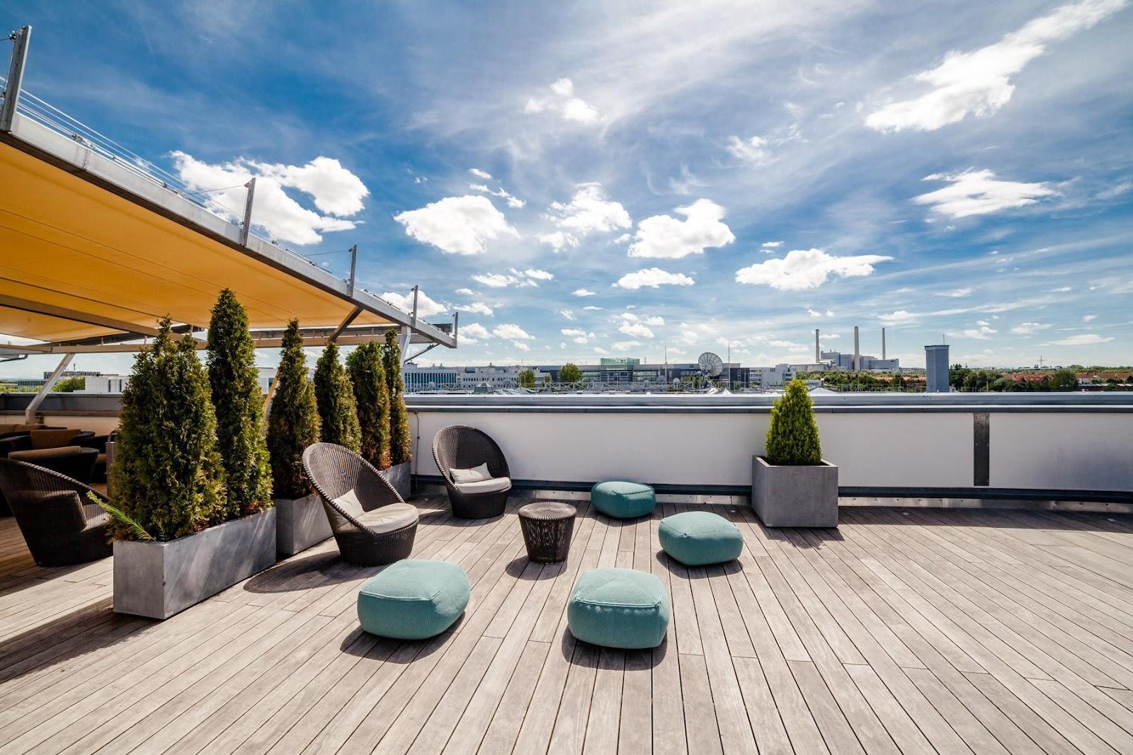 Un bon design : des lames de terrasse durables et une bonne conception garantissent que la terrasse va conserver sa beauté année après année.