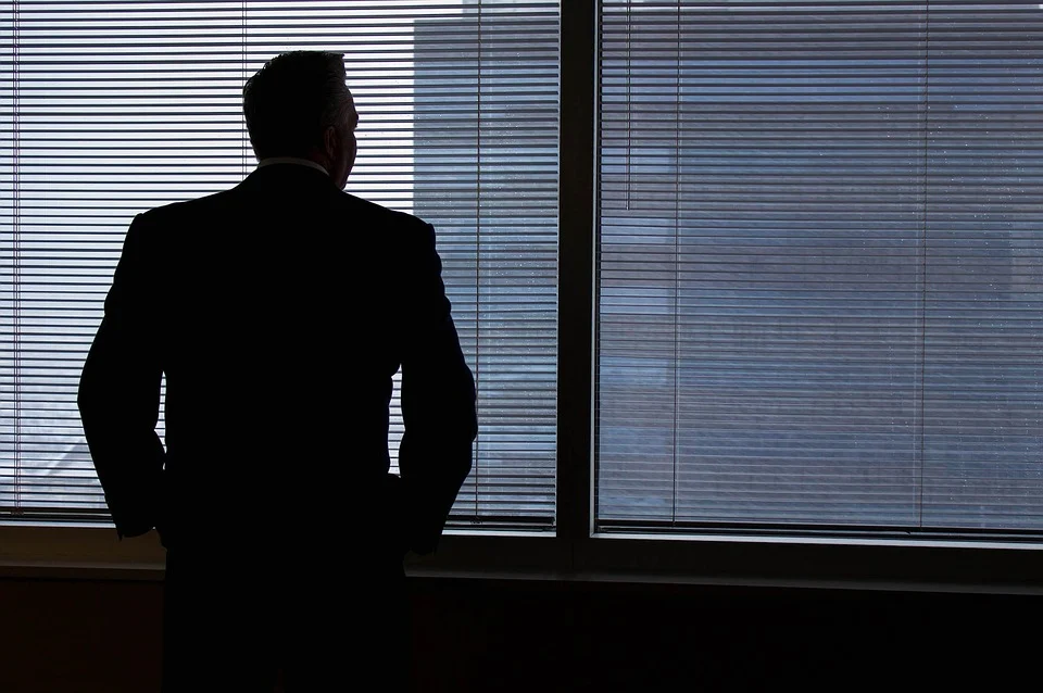 Why most leaders lose power and how you can avoid it