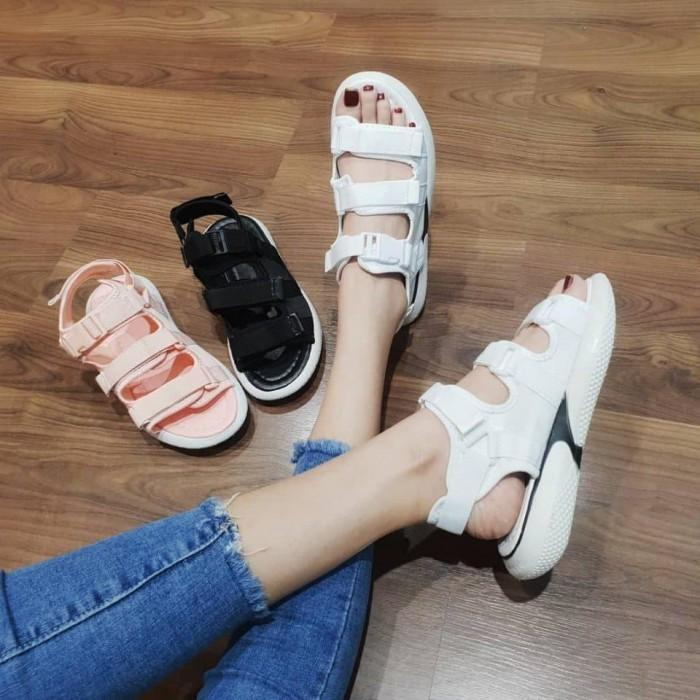 Giày sandal nữ mẫu mới năng động - Giày Nữ Đẹp