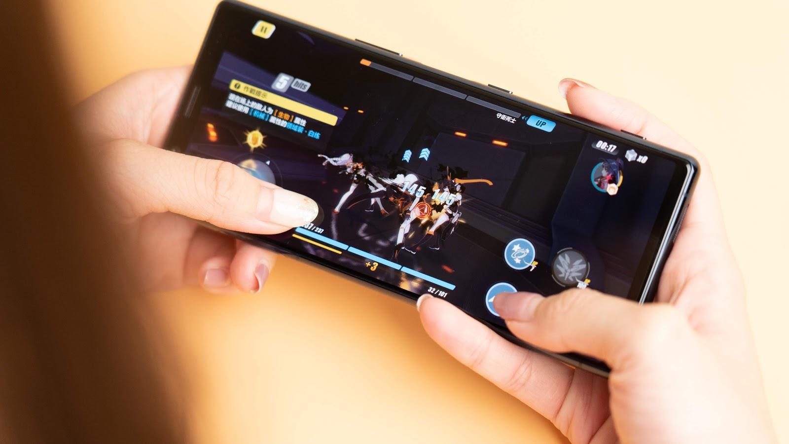 【首發開箱】索尼 Sony Xperia 5 —— 尺寸更小,但是拍照更專業。|科技狗