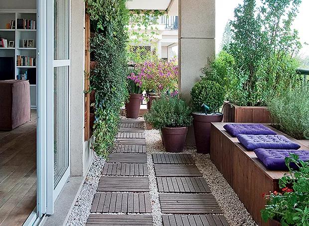 varanda decorada com jardim