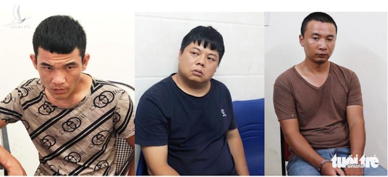 Nhóm nghi phạm quốc tịch Trung Quốc làm giả thẻ ATM để chiếm đoạt tài sản - Ảnh: DOÃN HÒA