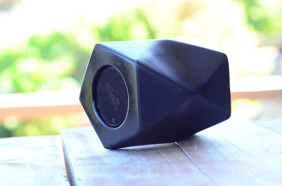 speaker-wireless-bluetooth-phone