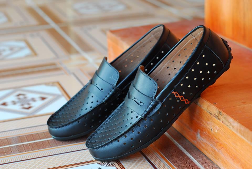 đánh giày bằng dầu dừa