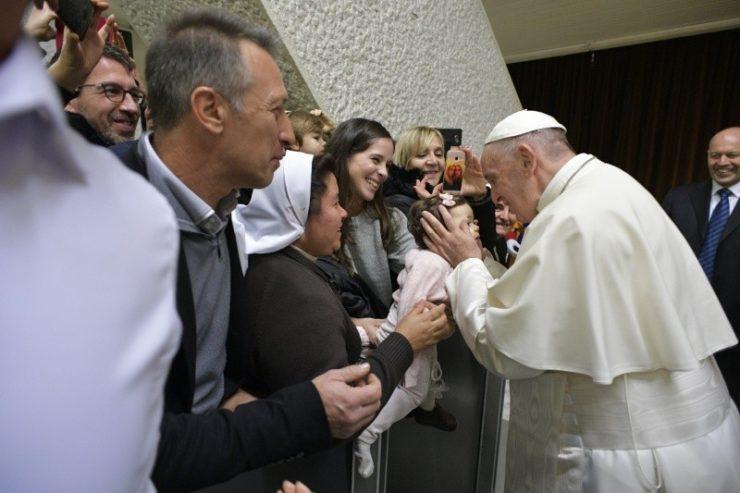 Nhân viên Vatican tận hưởng thời gian với Đức Thánh Cha