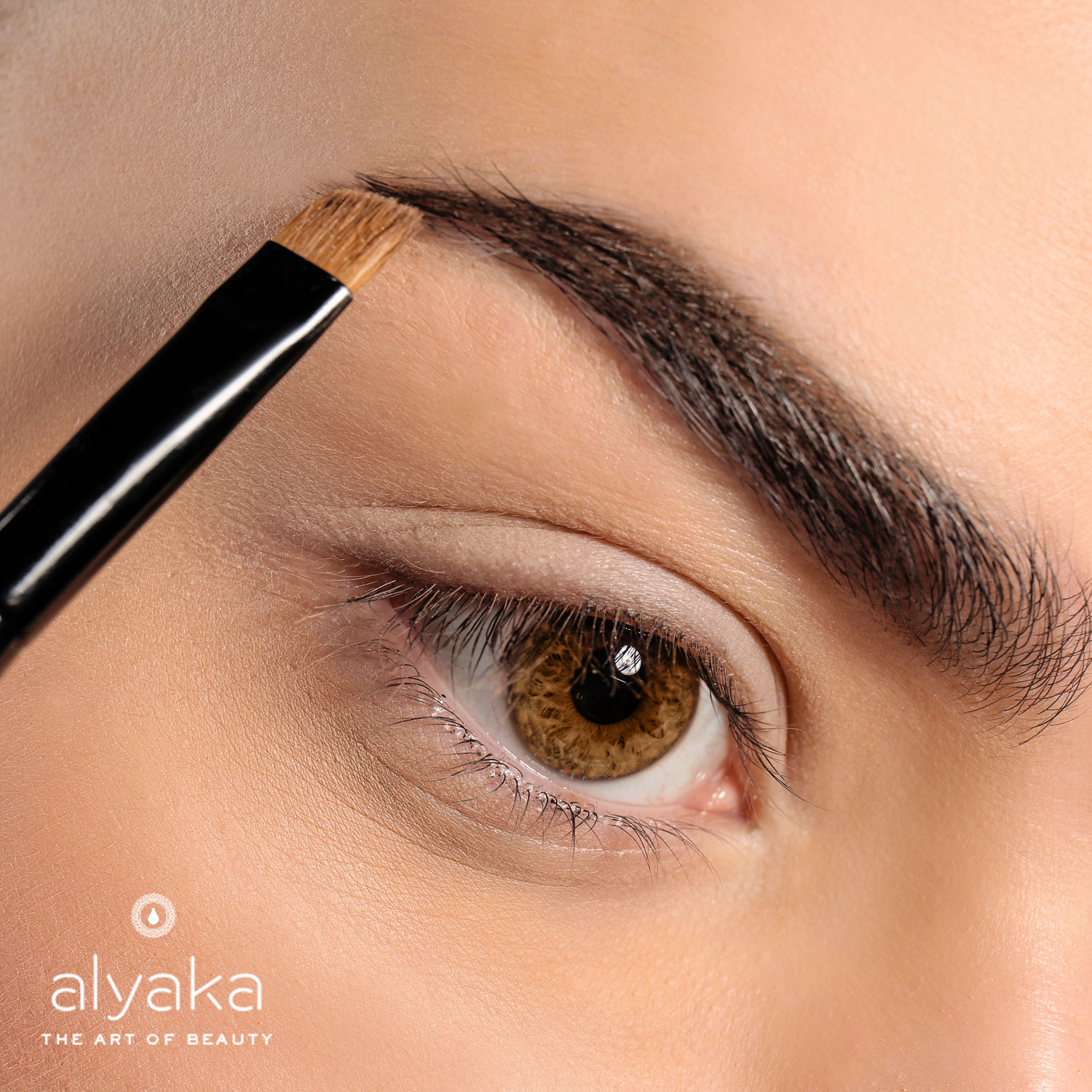 Precise and Easy | Eyebrow Threading Benefits