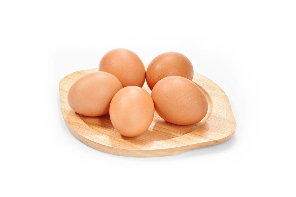 trứng gà giúp tóc chắc khỏe